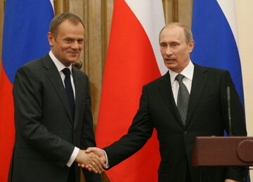 Od lewej: Donald Tusk, Władimir Putin