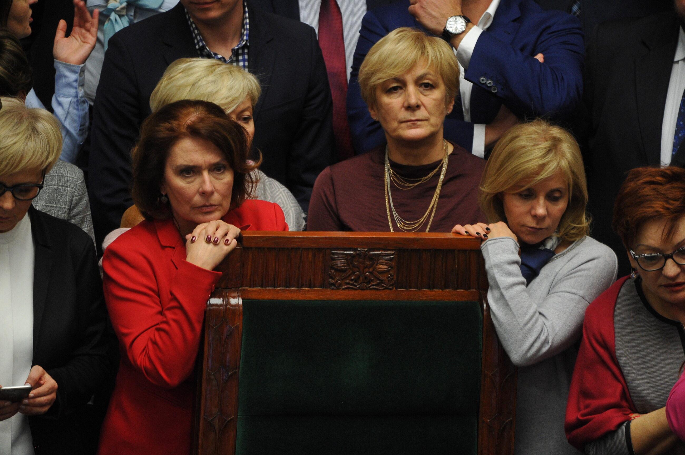Okupowanie fotela marszałka Sejmu przez opozycję