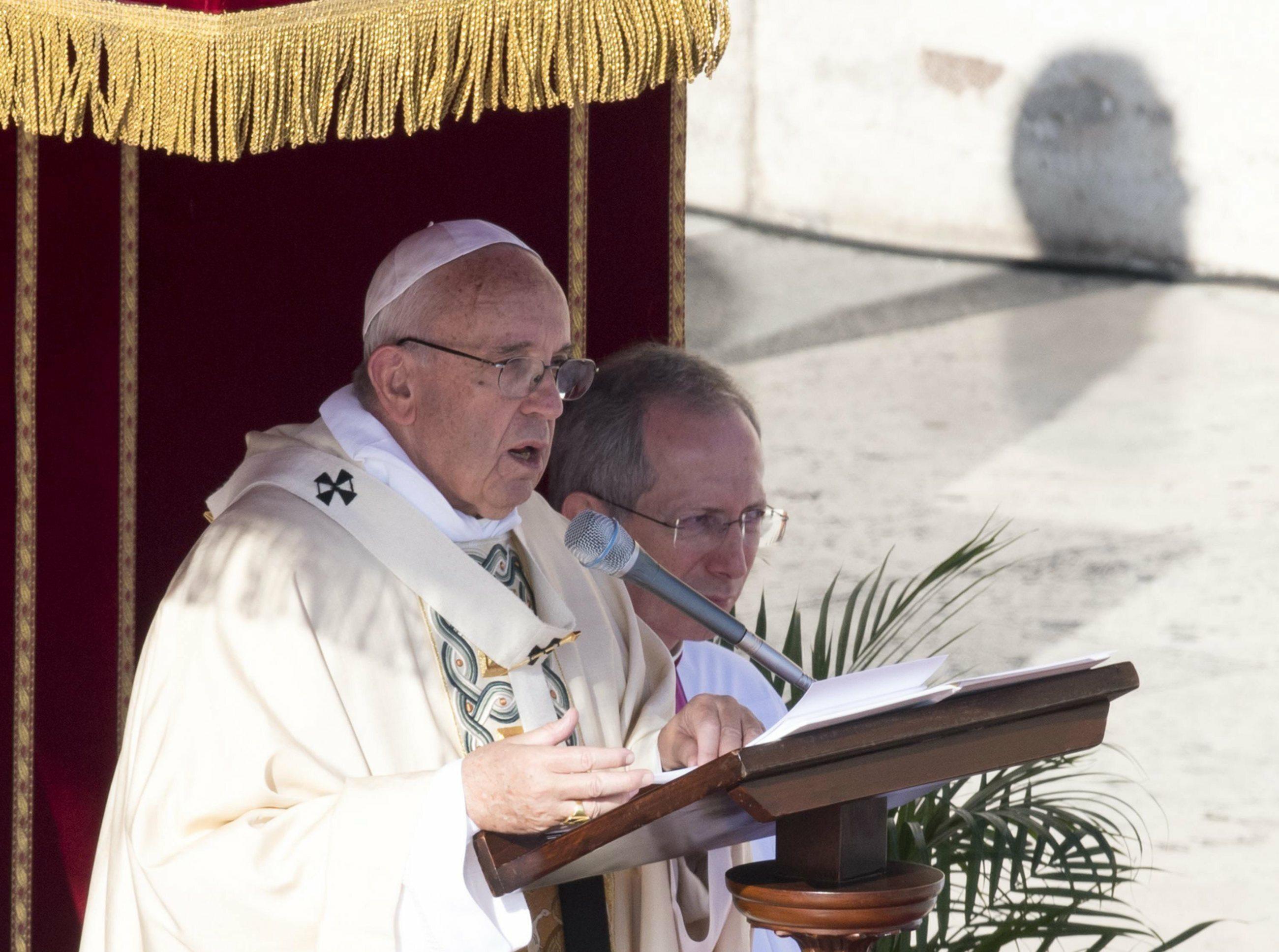Papież Franciszek zamknął Drzwi Święte