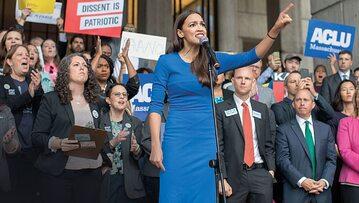 Partię Demokratyczną na lewo przeciąga Alexandria Ocasio-Cortez