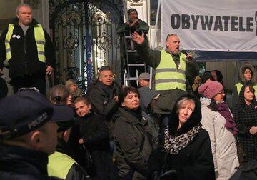 Paweł Kasprzak i Obywatele RP podczas miesięcznicy smoleńskiej