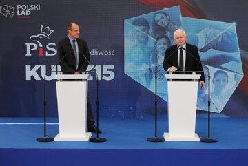Paweł Kukiz i Jarosław Kaczyński podczas wspólnego oświadczenia w Warszawie