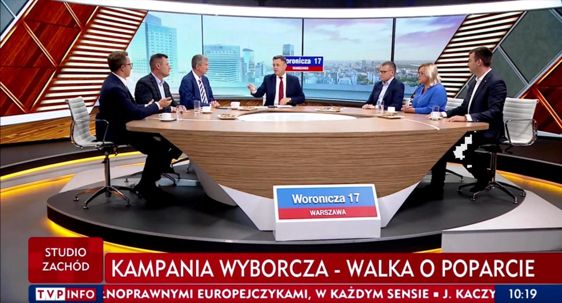 """Paweł Szefernaker (PiS) wręczył """"cysternę wstydu"""" politykom opozycji"""