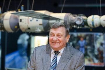 Pierwszy i jedyny w dotychczasowej historii Polak, który odbył lot w kosmos, gen. Mirosław Hermaszewski