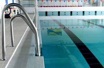 Pływalnia, zdjęcie ilustracyjne