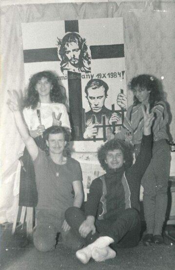 Po prawej ks. Marek Łabuda