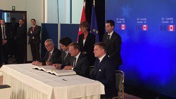 Podpisanie umowy CETA podczas szczytu UE-Kanada