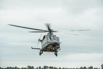 Pokaz śmigłowca AW-149, który brał udział w przetargu na śmigłowce dla polskich sił zbrojnych
