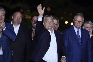 Politycy Fidesz: Viktor Orban i Laszlo Trocsanyi (P)