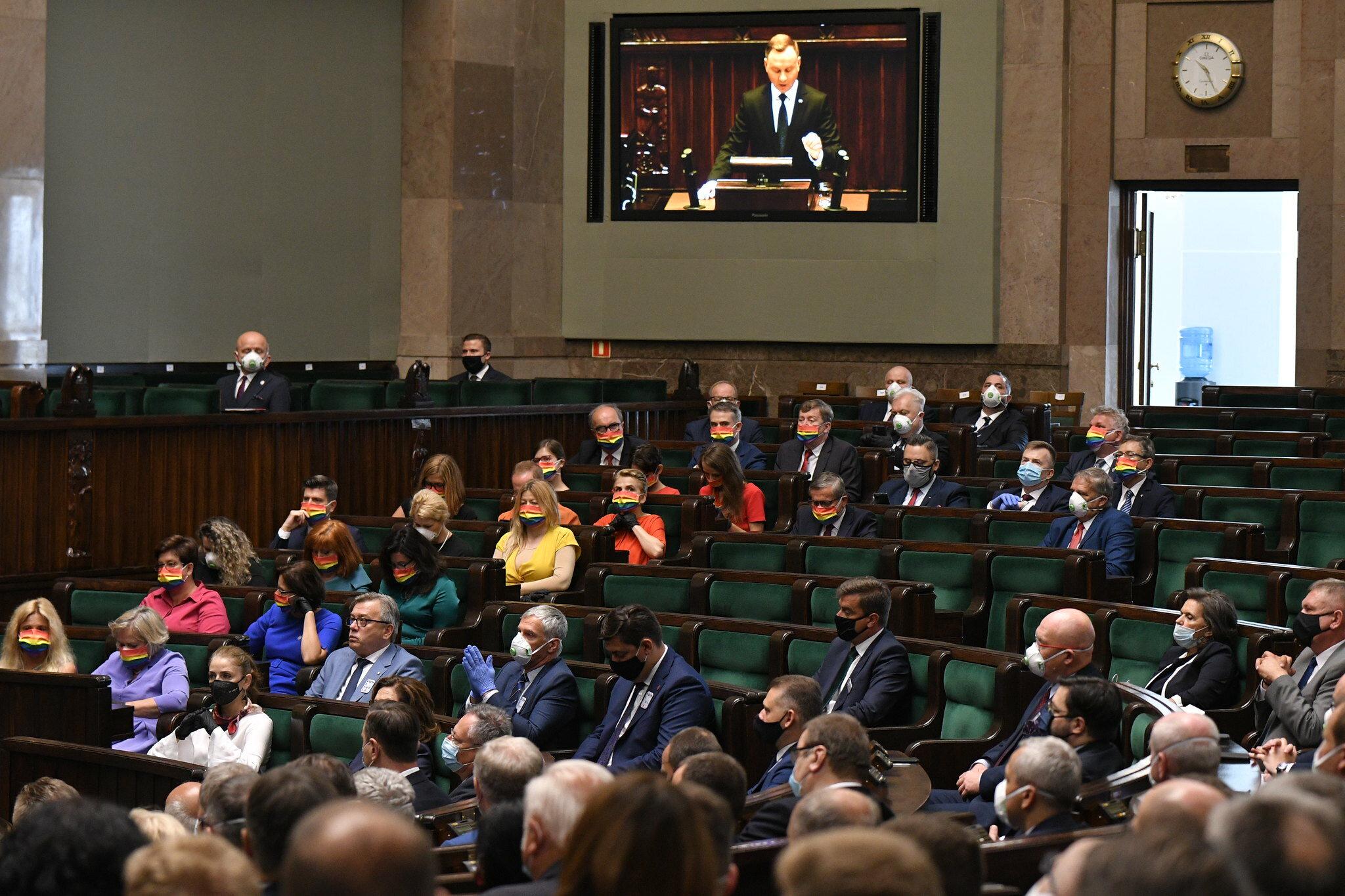 Politycy opozycji podczas uroczystości zaprzysiężenia prezydenta Andrzeja Dudy