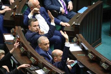 Politycy opozycji w Sejmie
