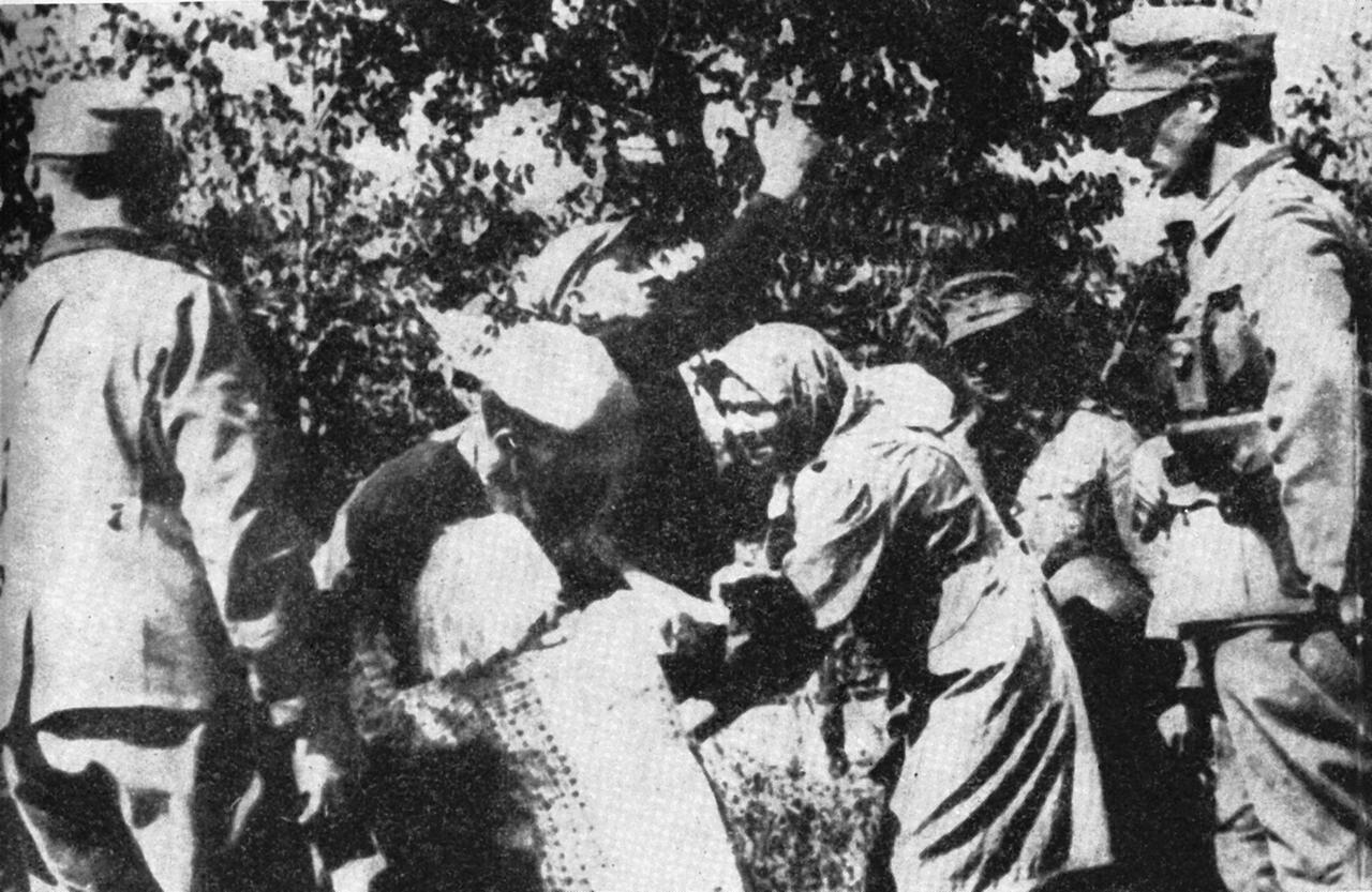 Porwanie polskich dzieci podczas akcji przesiedleń na Zamojszczyźnie. Zdjęcie ilustracyjne