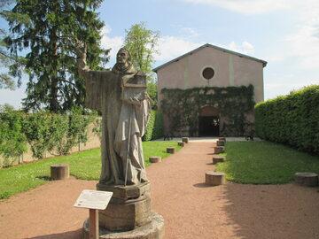 Posąg św. Roberta z Molesme w opactwie cystersów w Cîteaux