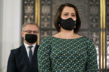 Posłanka klubu PiS Anna Maria Siarkowska na konferencji prasowej w Sejmie