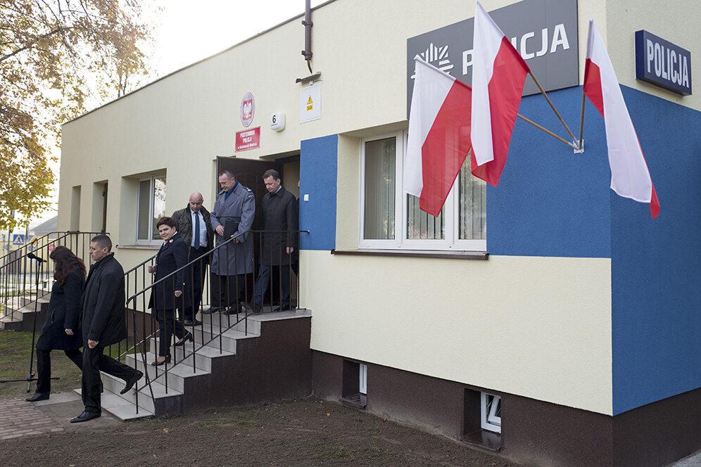 Premier Beata Szydło i minister Mariusz Błaszczak otworzyli kilka posterunków policji w Wielkopolsce