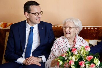 Premier Mateusz Morawiecki i pani Tekla Juniewicz
