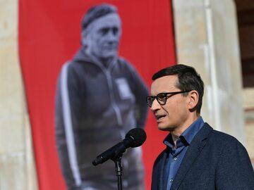 Premier Mateusz Morawiecki podczas uroczystości nadania PGE Stadionowi Narodowemu w Warszawie, imienia Kazimierza Górskiego