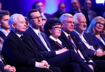 Premier Mateusz Morawiecki, prezes PiS Jarosław Kaczyński, wicemarszałkowie Sejmu Małgorzata Gosiewska, Ryszard Terlecki, Marszałek Sejmu Elżbieta Witek