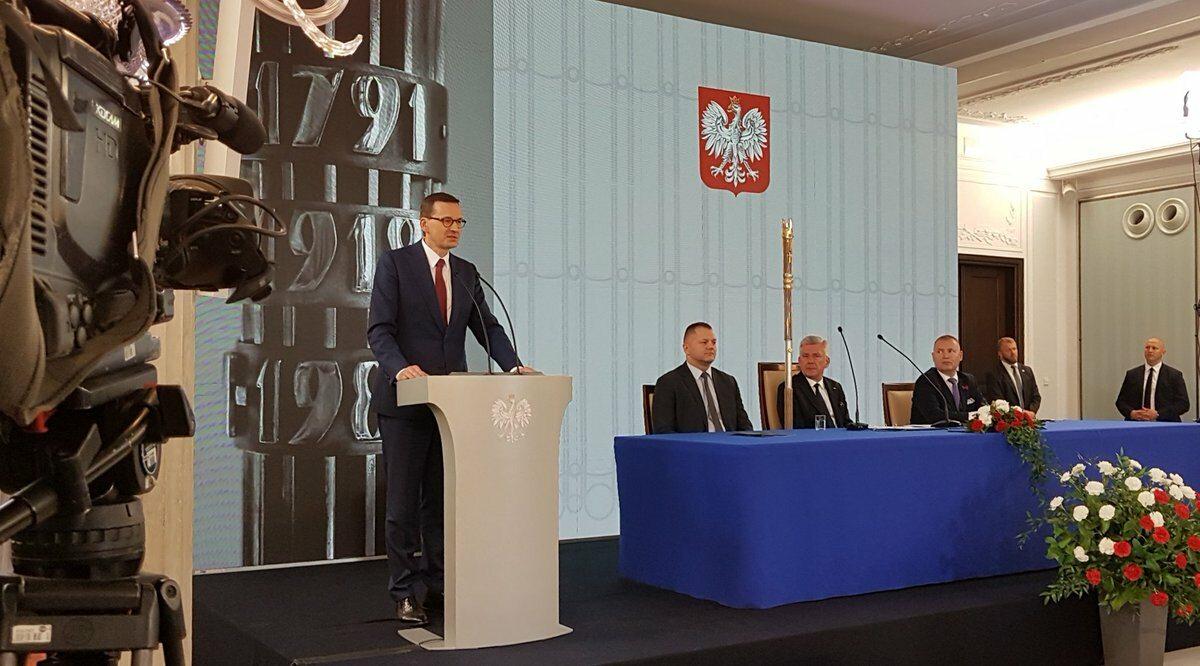 Premier Morawiecki bierze udział w uroczystym 80. posiedzeniu Senatu w 30. rocznicę wyborów 4 czerwca 1989 roku.