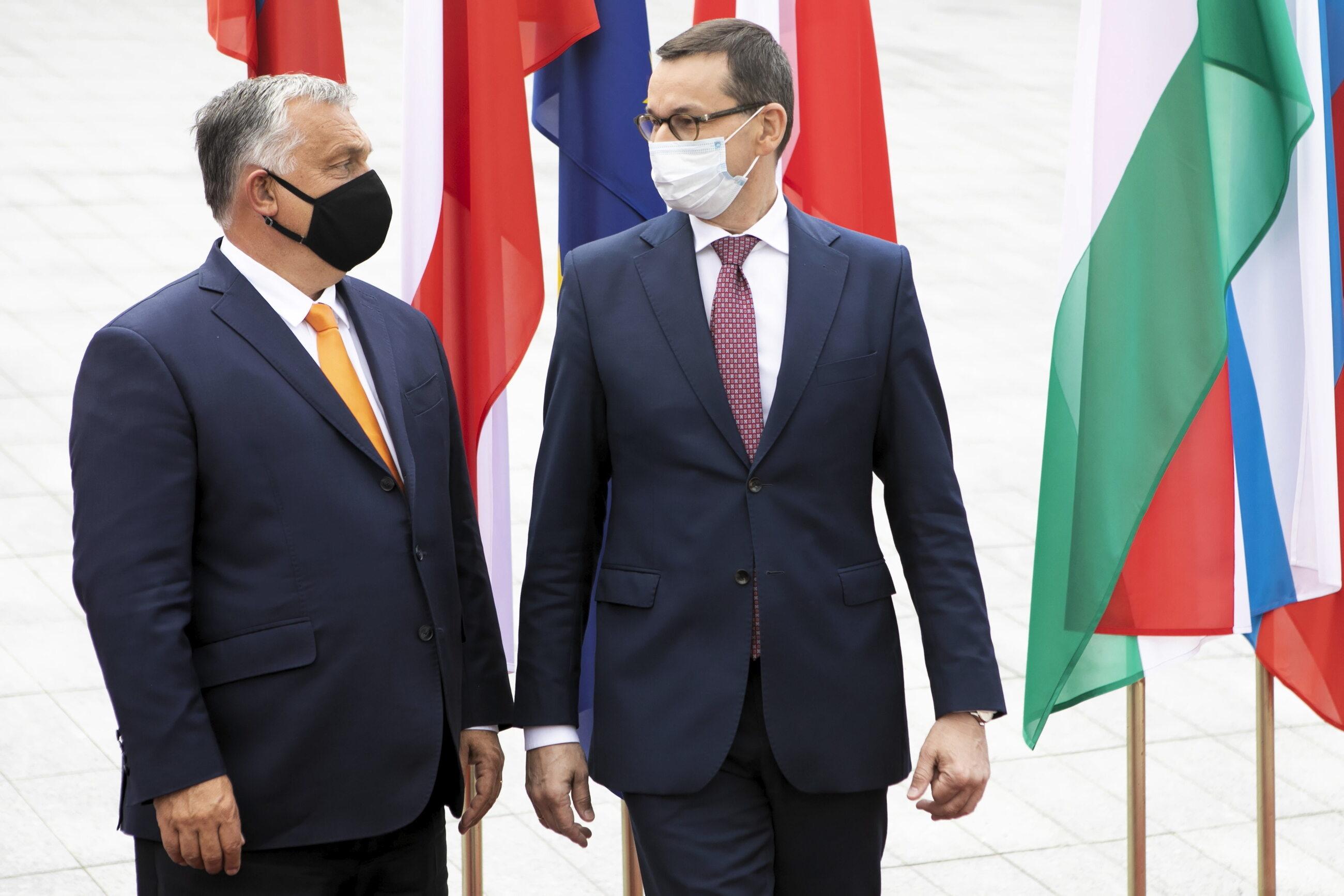 Premierzy Viktor Orban i Mateusz Morawiecki