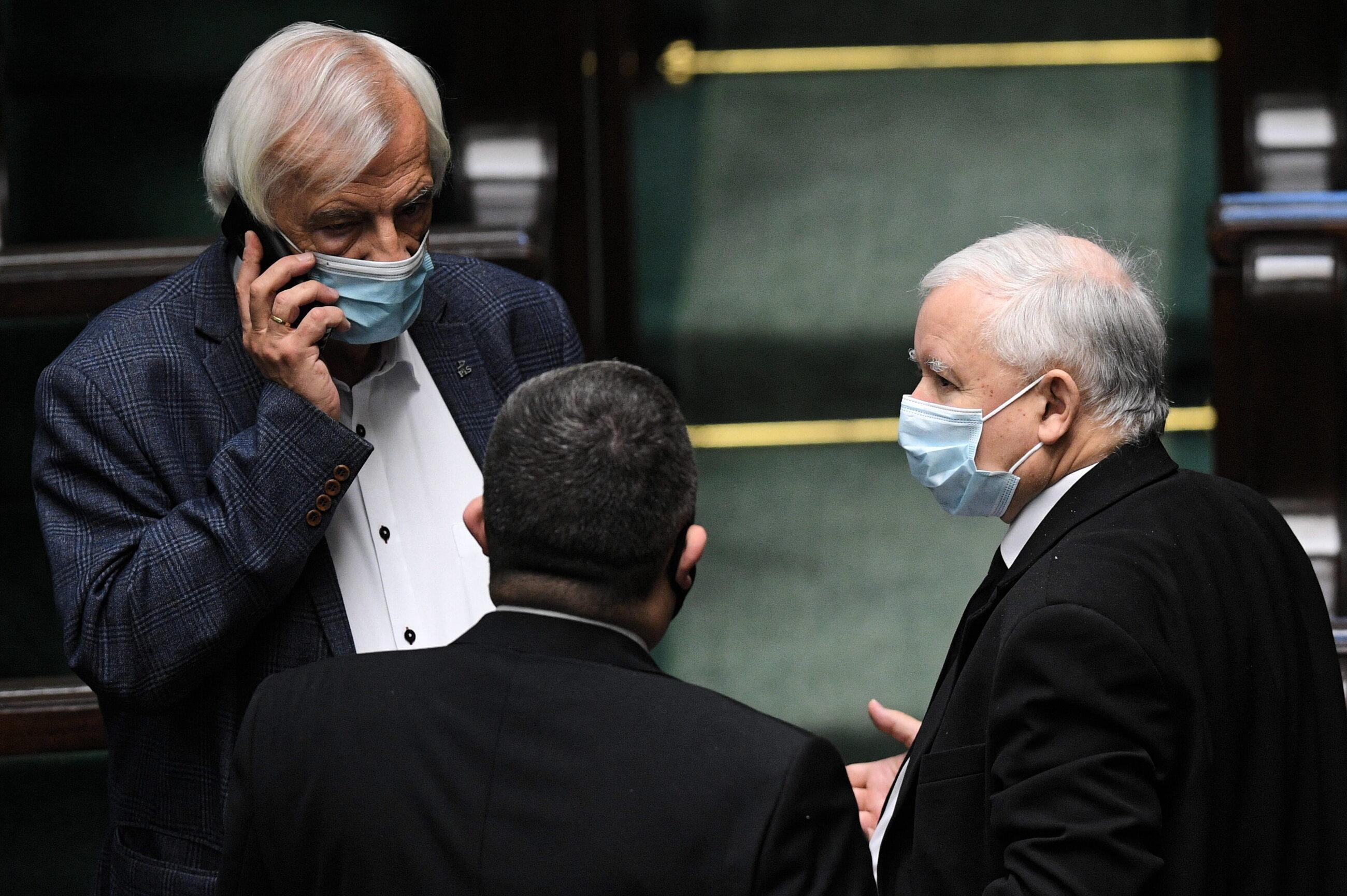 Prezes PiS Jarosław Kaczyński (P) i wicemarszałek Sejmu Ryszrad Terlecki