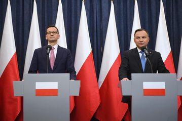 Prezydent Andrzej Duda (P) oraz premier Mateusz Morawiecki