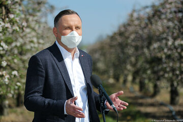 Prezydent Andrzej Duda podczas spotkania z sadownikami