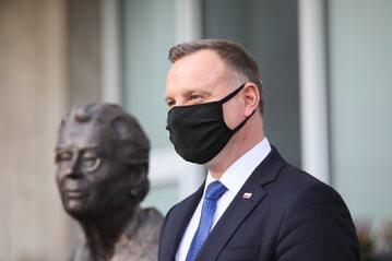 Prezydent Andrzej Duda podczas uroczystości odsłonięcia pomnika Anny Walentynowicz,