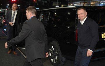 Prezydent Andrzej Duda w drodze do hotelu, 22 bm. Prezydent RP składa wizytę w Stanach Zjednoczonych Ameryki, podczas której weźmie udział w debacie generalnej 74. sesji Zgromadzenia Ogólnego ONZ w Nowym Jorku.