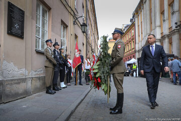 Prezydent Andrzej Duda złożył kwiaty pod tablicą upamiętniającą Grzegorza Przemyka
