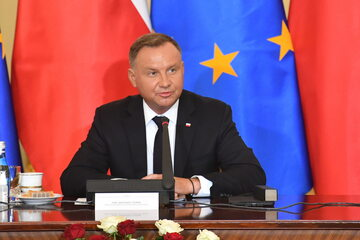 Prezydent RP Andrzej Duda podczas konferencji prasowej w ramach posiedzenia Rady Gabinetowej