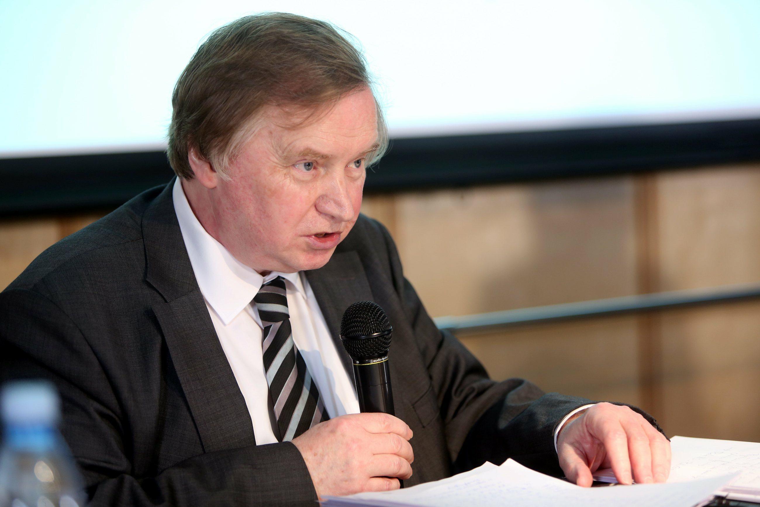 Prof. Ryszard Piotrowski