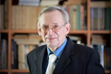 Profesor Włodzimierz Gut, wirusolog