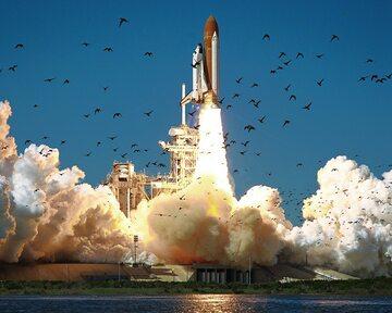 Prom Challenger tuż przed katastrofą - 28 stycznia 1986 roku.