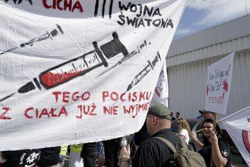 Protest przeciwników przymusowych szczepień w Siemianowicach Śląskich