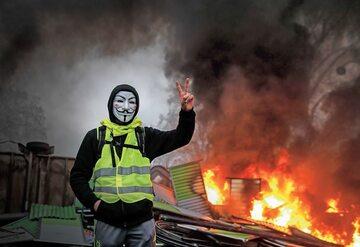 """Protest """"żółtych kamizelek"""" we Francji mimo ustępstw rządu w sprawie cen paliwa może się szybko nie skończyć."""