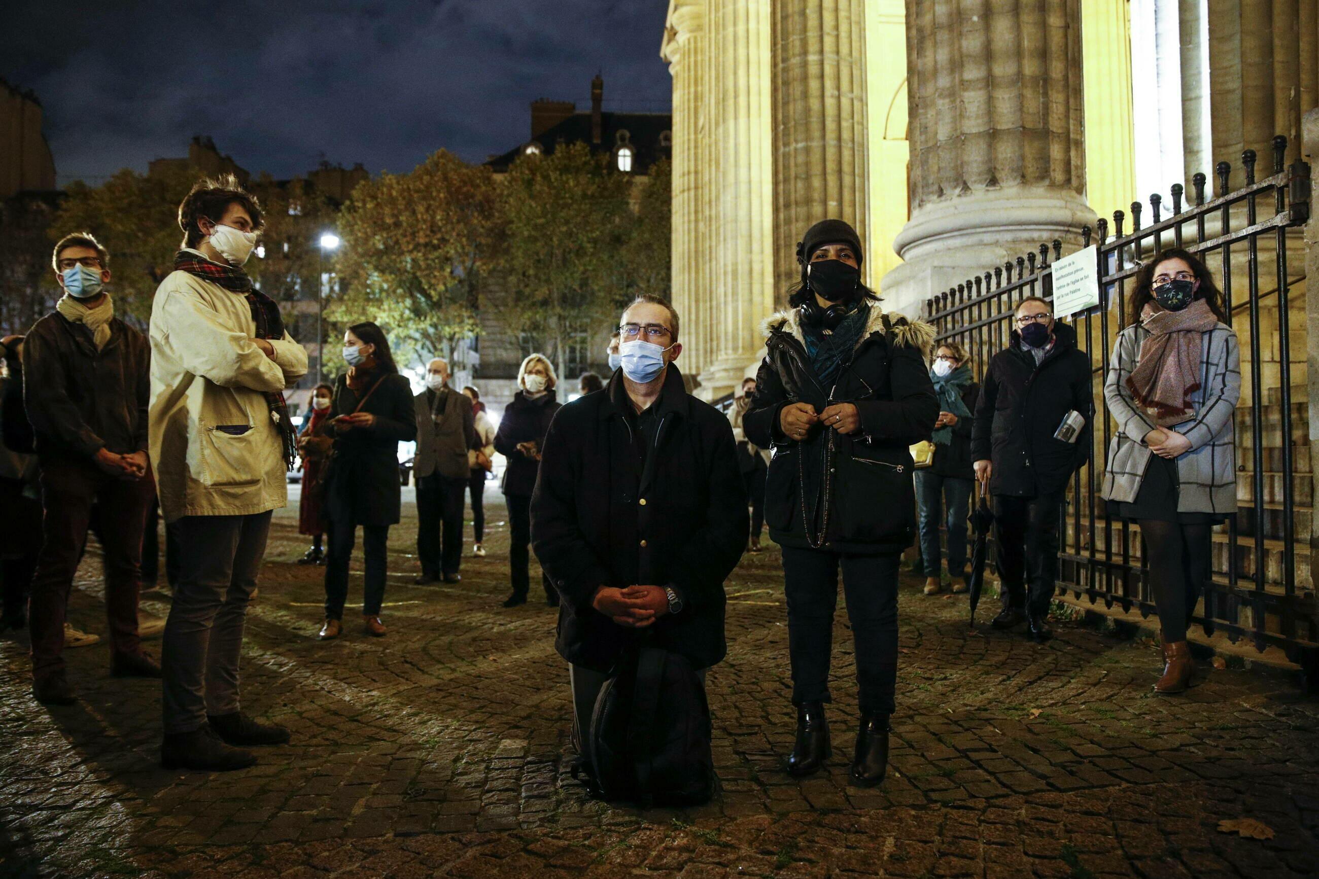 Protesty przeciw zawieszeniu Mszy świętych