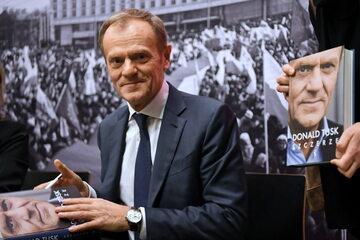 """Przewodniczący Europejskiej Partii Ludowej Donald Tusk podczas promocji swojej książki """"Szczerze"""", 18 bm. w ECS w Gdańsku"""