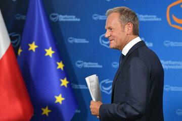 Przewodniczący Platformy Obywatelskiej Donald Tusk podczas konferencji prasowej