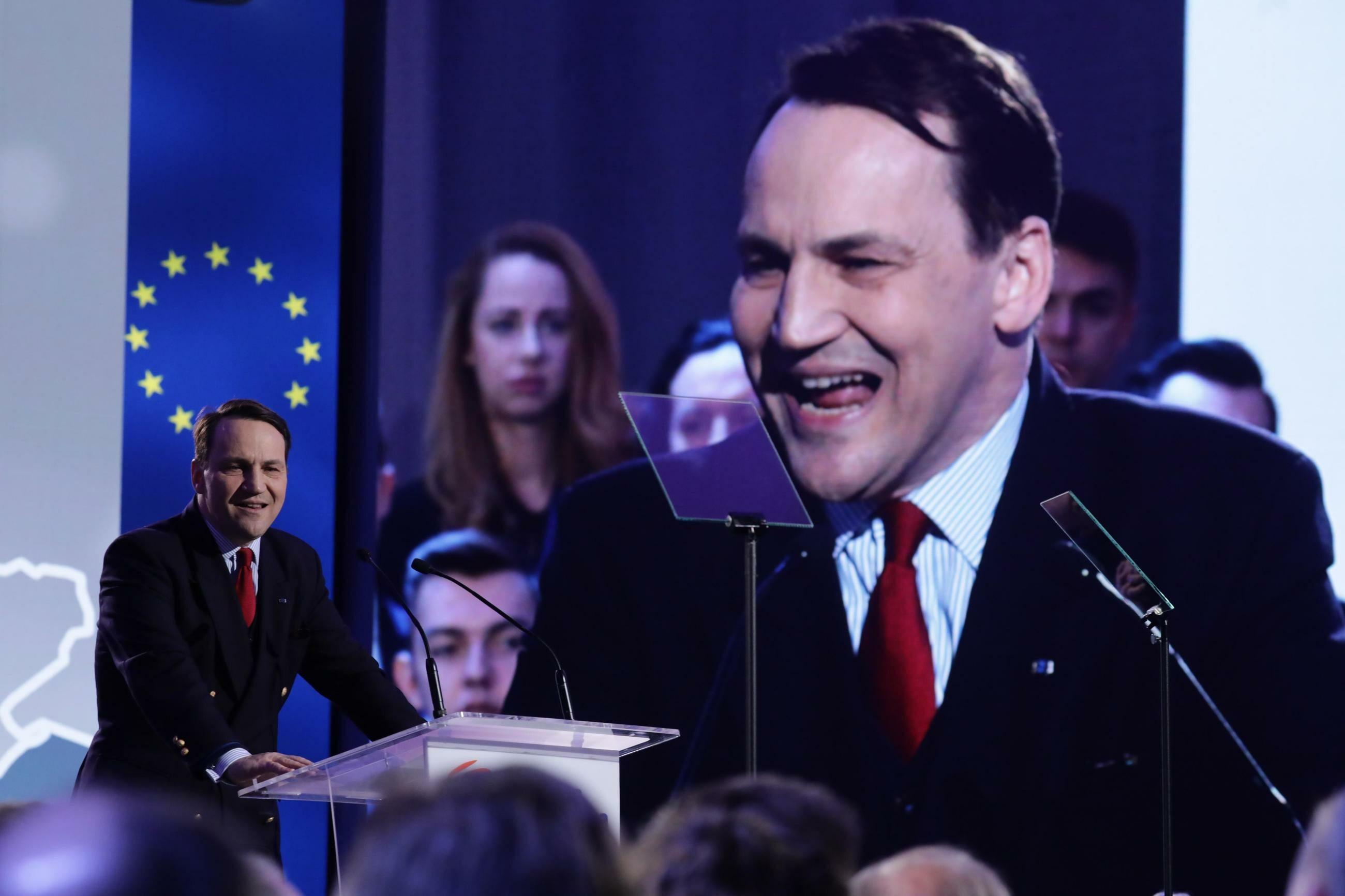 Radosław Sikorski podczas Rady Krajowej PO w Warszawie.