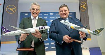 Rafał Milczarski, prezes Polskiej Grupy Lotniczej oraz PLL LOT (z prawej), z Ralfem Teckentrupem, prezesem Condora