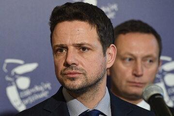Rafał Trzaskowski (PO). W tle Paweł Rabiej (Nowoczesna)