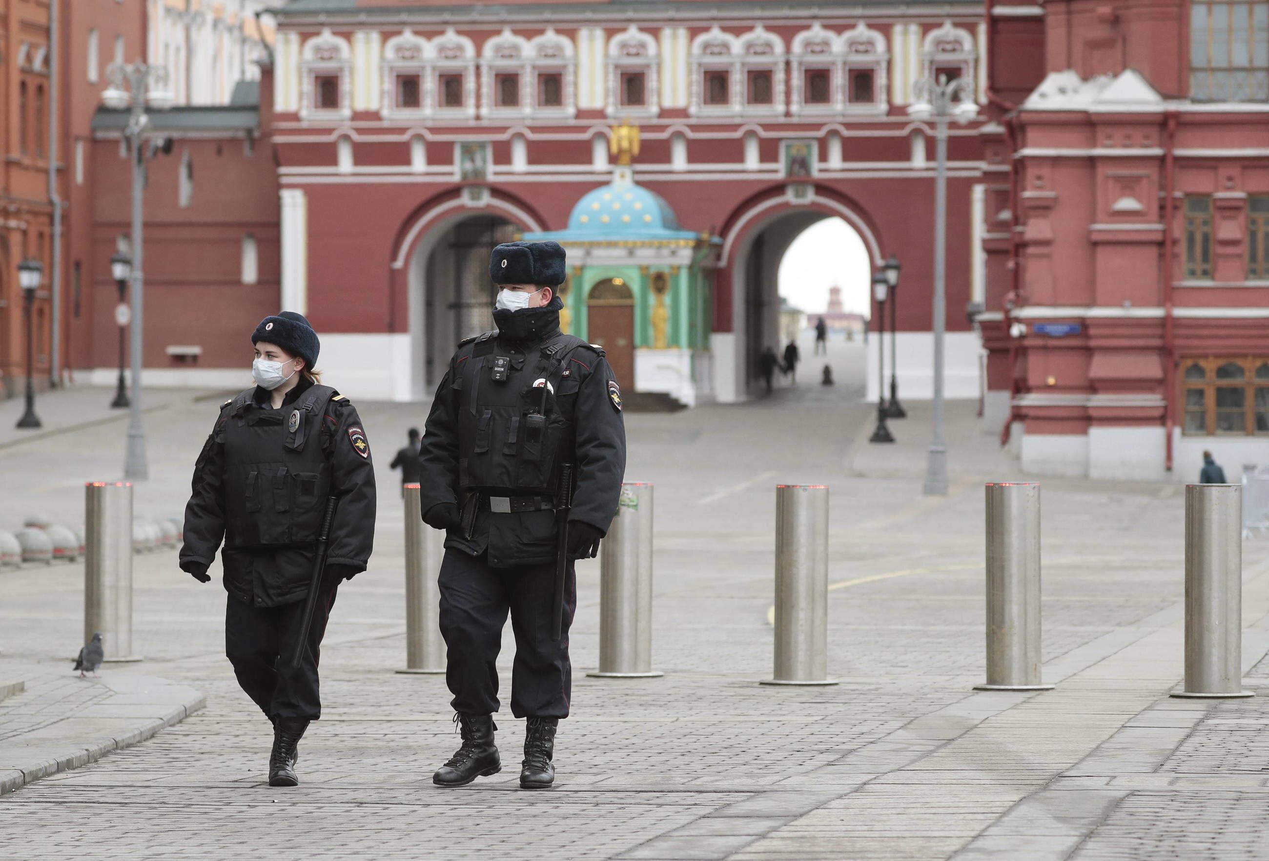 Rosyjska policja na Placu Czerwonym w Moskwie