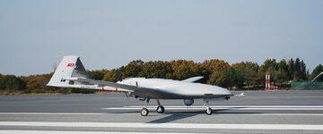 Samolot bezzałogowy Bayraktar TB2 Runway