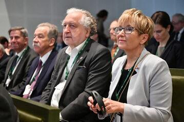 Sędzia Barbara Morawiec. Obok prezes TK Andrzej Rzepliński