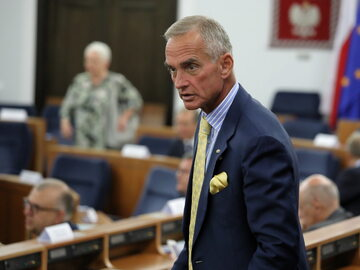 Senator PiS Jan Maria Jackowski na sali obrad