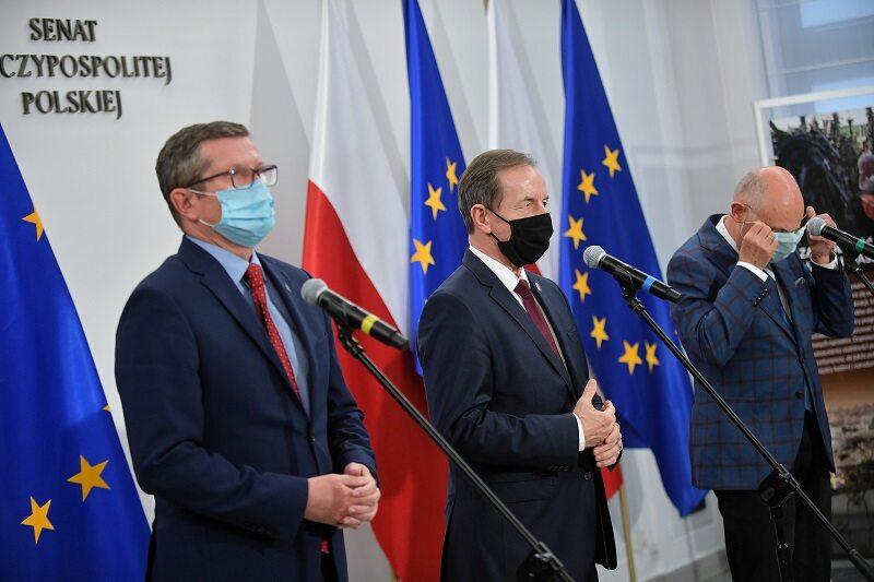 Senatorowie KO: Marcin Bosacki, Tomasz Grodzki i Marek Borowski