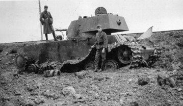 Sowiecki czołg KW-1 zniszczony pod Kownem