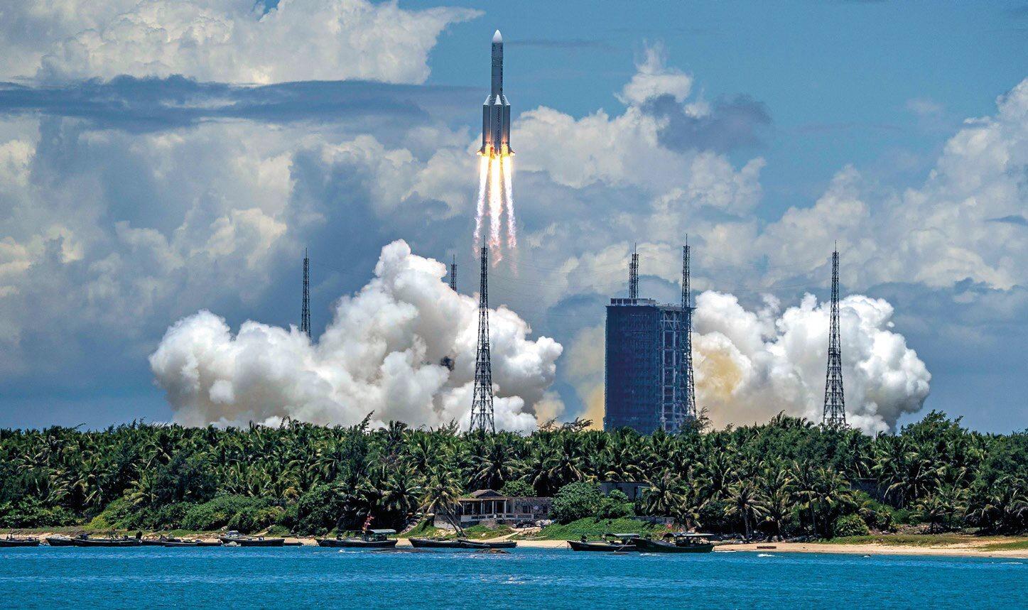 Start największej obecnie chińskiej rakiety Long March 5