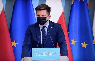 Szef KPRM Michał Dworczyk podczas konferencji prasowej